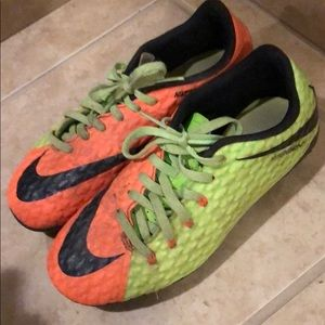 Size 3y Nike soccer cleats. Great condition.